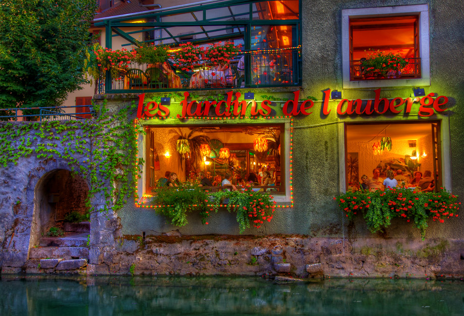les jardins de l 39 auberge restaurant on the canal annecy france photo by daniel peckham. Black Bedroom Furniture Sets. Home Design Ideas